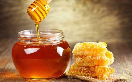 cách trị mụn cám bằng mật ong