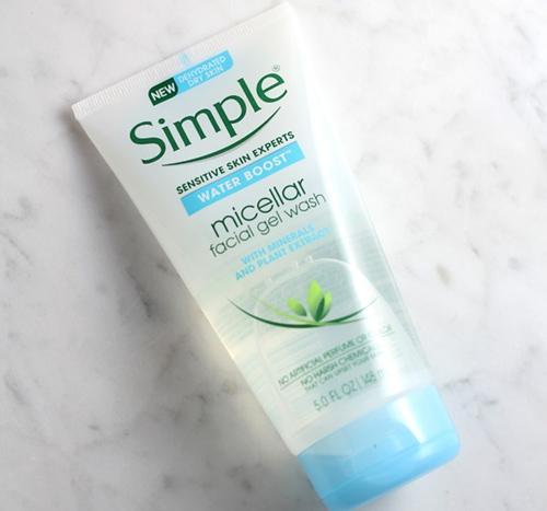Sữa rửa mặtSimple Water Boost Micellar Gel Wash