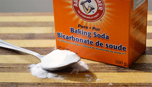 trị mụn cám bằng baking soda